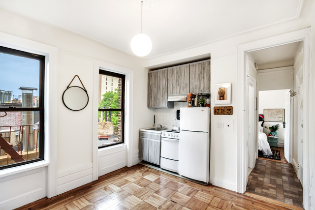 128 West 13th Street, Unit 32 Image #1
