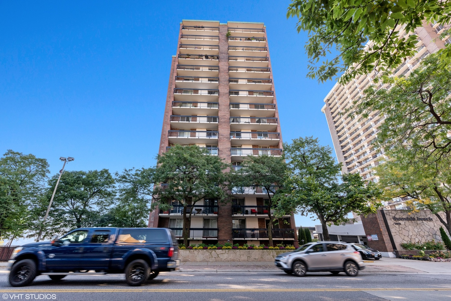 5901 North Sheridan Road, Unit 11G Chicago, IL 60660