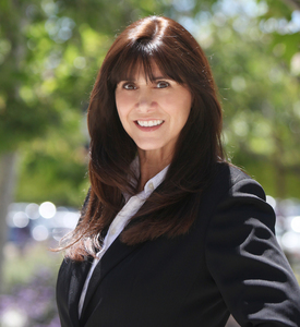 Lisa Barnes,                       Agent in Los Angeles - Compass