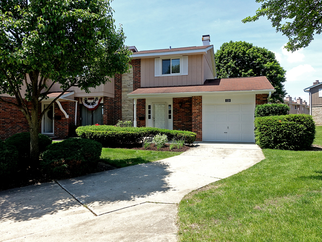 1119 Hertford Court Wheaton, IL 60189