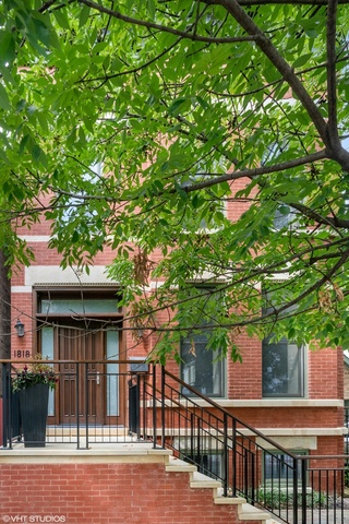1818 North Howe Street Chicago, IL 60614