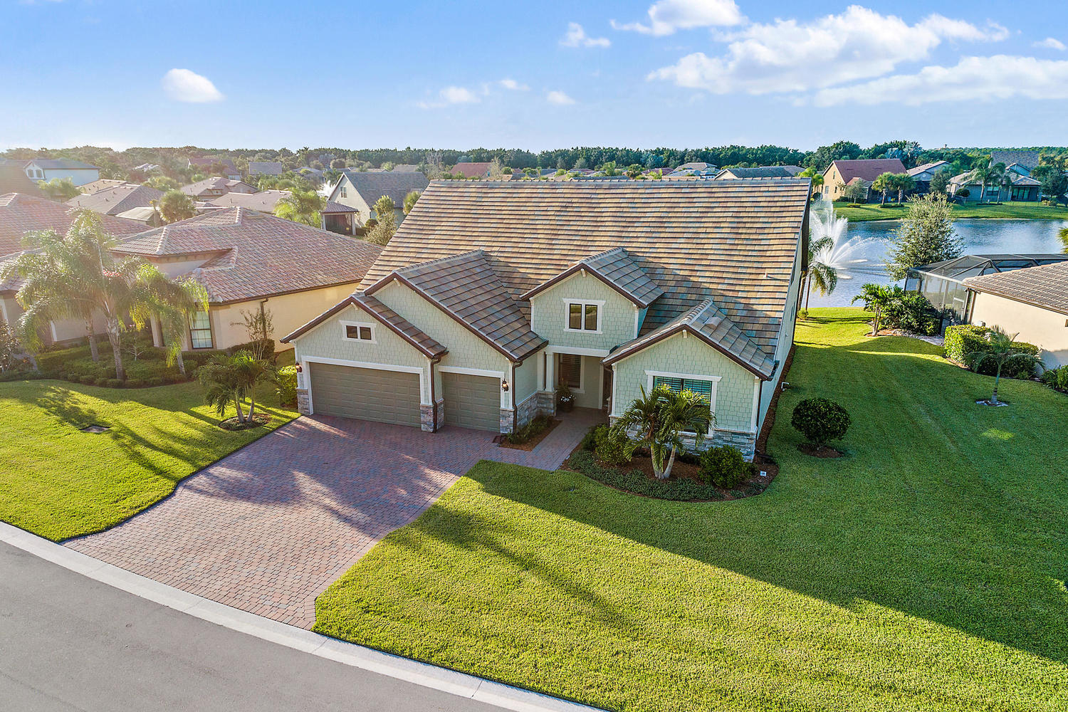 326 Southeast Huntington Circle Port St. Lucie, FL 34984