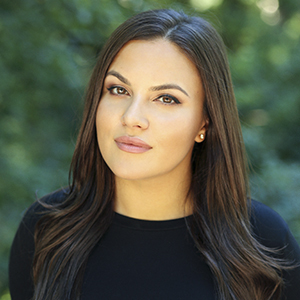 Natalie Pigoulevsky,                   Agent in NYC - Compass
