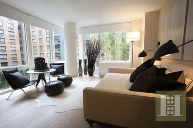 550 West 45th Street, Unit 507 Image #1
