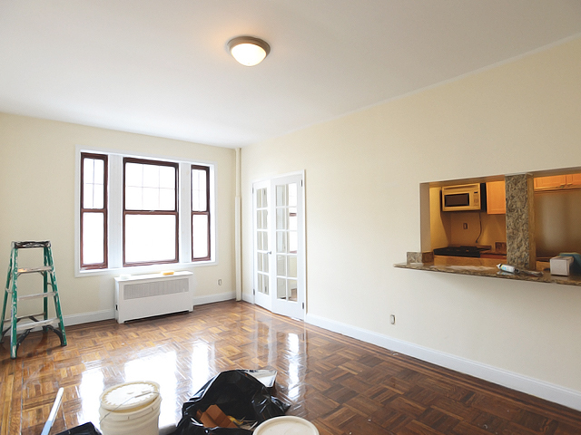 201 West 11th Street, Unit 4E Image #1