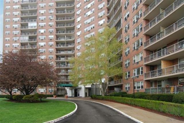 5900 Arlington Avenue, Unit 8S Image #1