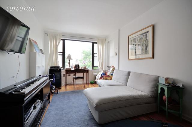 222 East 75th Street, Unit 2B Image #1