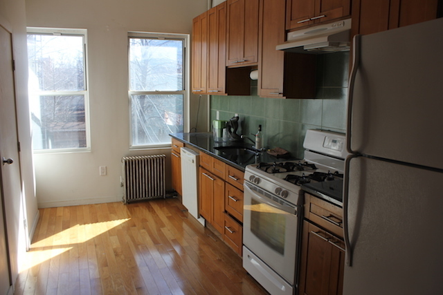 162 Norman Avenue, Unit 2L Brooklyn, NY 11222