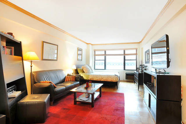 210 East 36th Street, Unit 9G Image #1