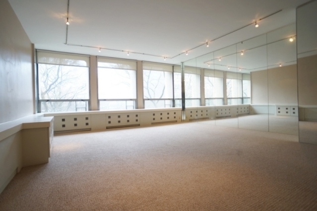 300 East 33rd Street, Unit 2A Image #1