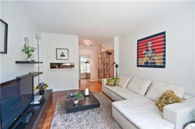 301 West 57th Street, Unit 3AA Image #1