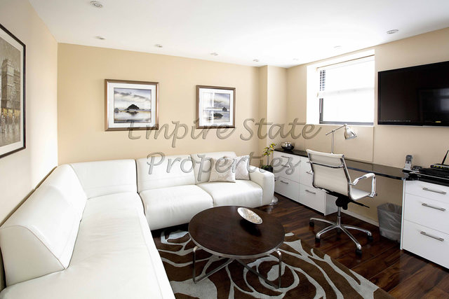 150 West 51st Street, Unit 1814 Image #1
