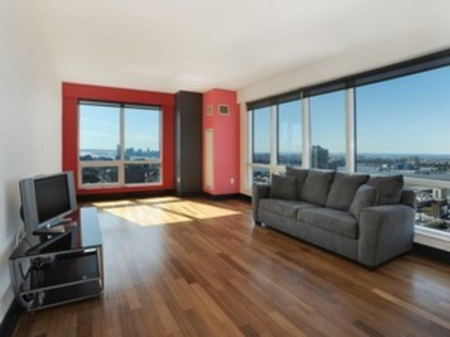 350 West 42nd Street, Unit 42H Image #1