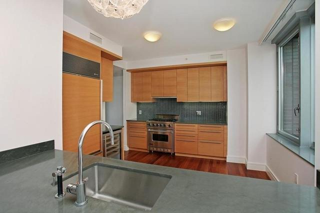 30 West Street, Unit 2E Image #1
