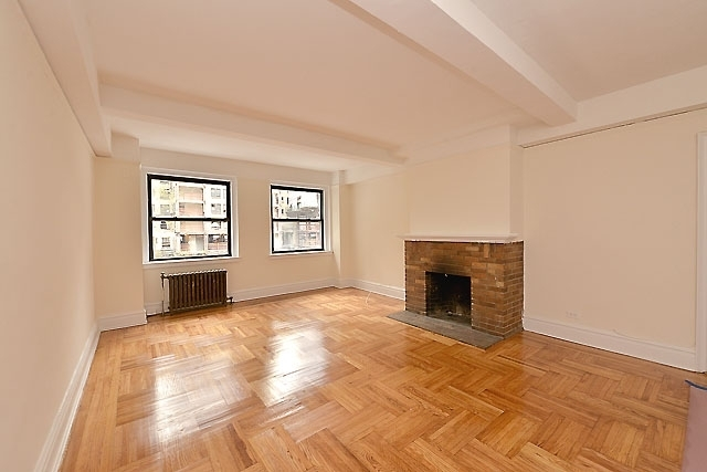 237 East 20th Street, Unit 2GH Image #1
