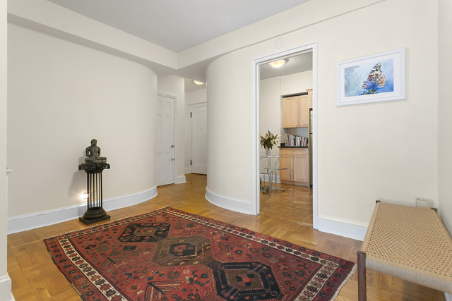 141 East 56th Street, Unit 4C Image #1
