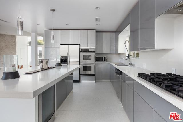 2604 Devista Place Los Angeles, CA 90046