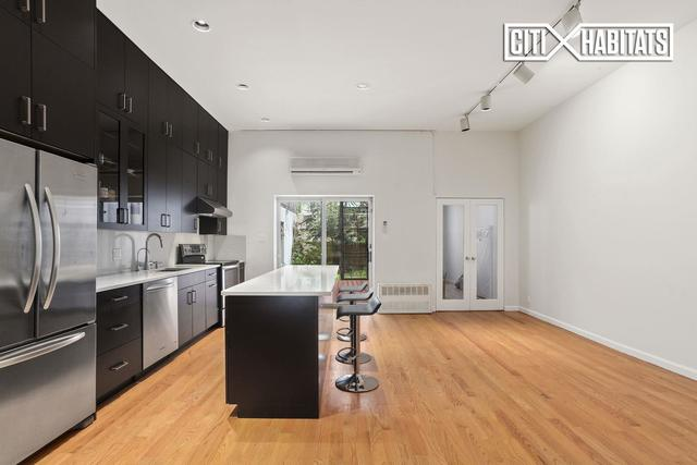 321 East 53rd Street, Unit 1 Image #1