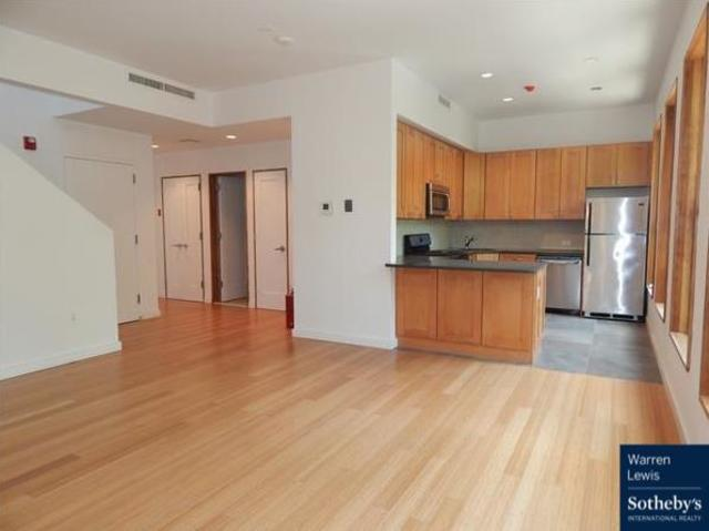 131 6th Avenue, Unit 2 Image #1