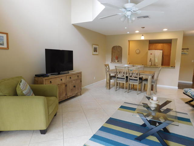 2439 Treasure Isle Drive, Unit 2 West Palm Beach, FL 33410