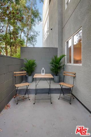 2020 6th Street, Unit 4 Santa Monica, CA 90405