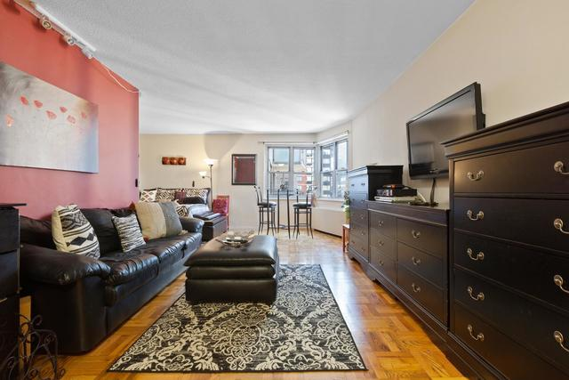 300 East 40th Street, Unit 15A Image #1