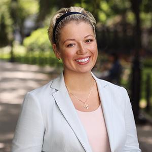 Anastasia Usova, Agent in NYC - Compass