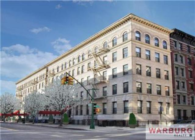 411 Manhattan Avenue, Unit C10 Image #1