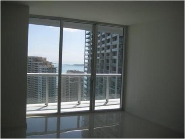 485 Brickell Avenue, Unit 3301 Image #1