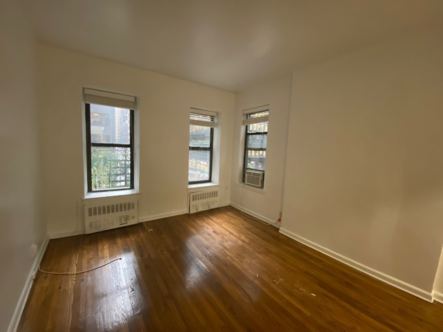 153 East 43rd Street, Unit 3A Manhattan, NY 10017