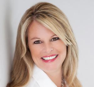 Fiona Alvarez, Agent in Los Angeles & Orange County - Compass