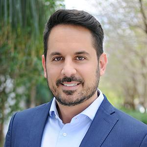 Cristian Lavin,                       Agent in Miami - Compass