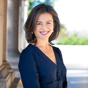 Suzette Kraus,                       Agent in Greenwich, CT - Compass