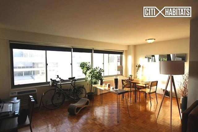 175 West 12th Street, Unit 9E Image #1