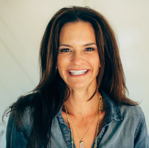 Marina Accardo,                       Agent in Los Angeles - Compass