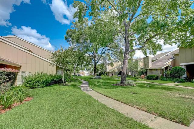 11656 Lakeside Park Drive Houston, TX 77077