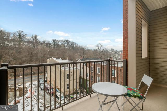 4444 River Ridge Court Philadelphia, PA 19129