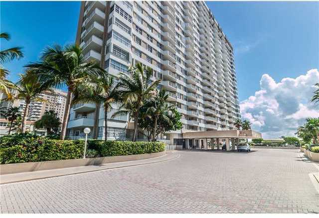 1950 South Ocean Drive, Unit 4H Image #1