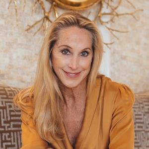 Suzanne Warner,                       Agent in Dallas-Fort Worth - Compass