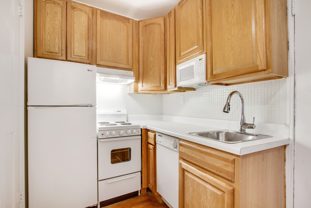 128 West 13th Street, Unit 12A Image #1