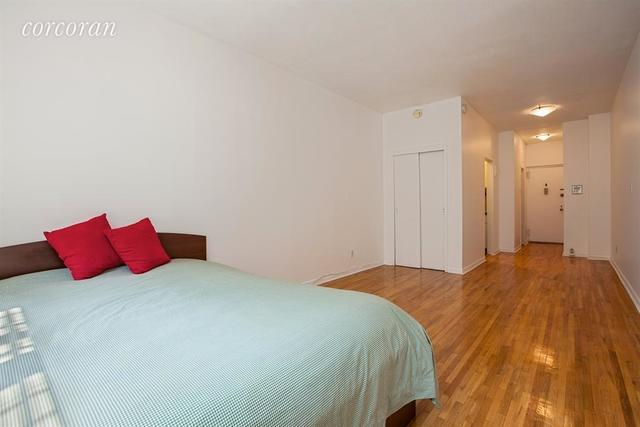 317 West 54th Street, Unit 4E Image #1