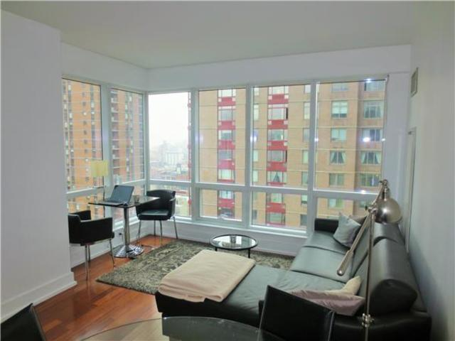 350 West 42nd Street, Unit 20C Image #1