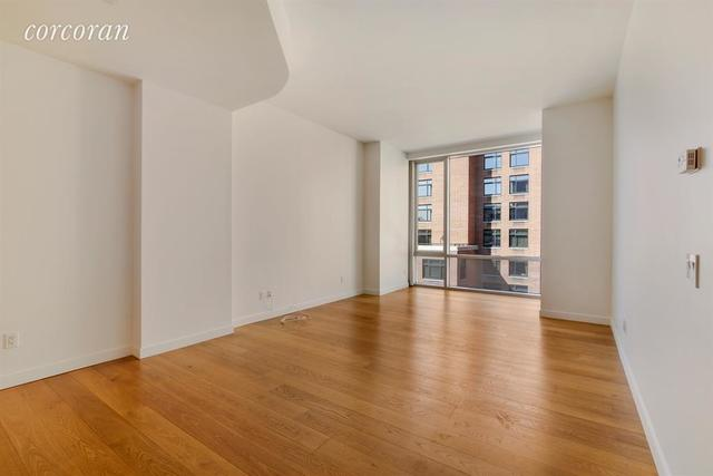311 West Broadway, Unit 8D Image #1