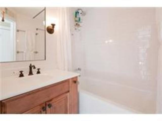524 East 6th Street, Unit 8 Image #1