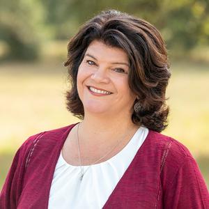 Lisa Little, Agent in Austin - Compass