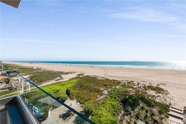 16871 South Pacific Avenue Sunset Beach, CA 90742