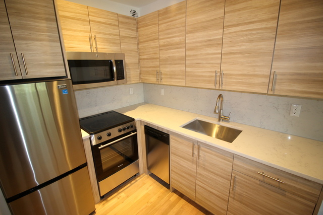 312 East 30th Street, Unit 6E Image #1