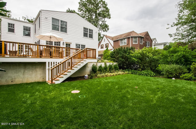 28 Oval Avenue Riverside, CT 06878