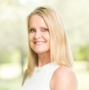 Julie Sheets, Agent in Houston - Compass