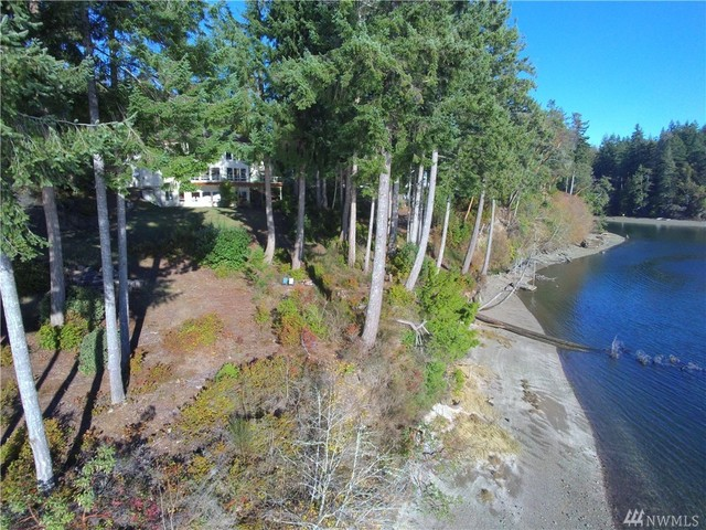301 East Robbins Road Grapeview, WA 98546